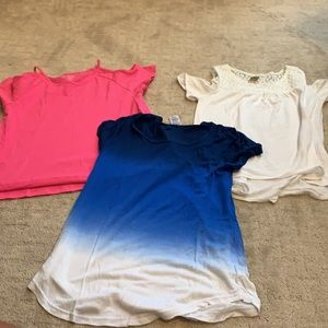 Girl's T-shirts, Size M & L 10/12)